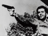 Эрнесто Че Гевара, вооруженный пистолетом Стечкина
