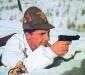 Итальянский альпийский стрелок ведет огонь из «Beretta M1934» (Вторая Мировая война)