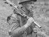 Канадский солдат с пулеметом Bren (1945 г.)