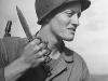 Обложка жунала Life с американским солдатом, вооруженным ножом-кастетом