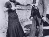 Фотография известных американских бандитов Бони и Клайда. У Бони в руках обрез Ремингтона